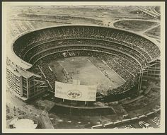 Shea Stadium home to the 69 champion Mets & Jets Shea Stadium, Little Neck, Nfl History, Family Roots, American Football, Long Island, New York City, Louvre, New York