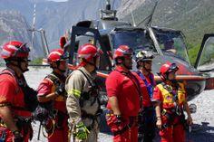 Casco EOM rojo, Arnés Contour PMI, Guantes HexArmor y Guantes Ringers Gloves durante recertificación de línea larga en Protección Civil Nuevo León   EMS Mexico | Equipando a los Profesionales
