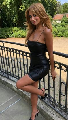 Tight Dresses, Cute Dresses, Short Outfits, Cool Outfits, Sublime Creature, Celebrity Boots, Sexy Legs And Heels, Beautiful Figure, Stunning Women