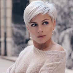 25 Coolest Pixie Haircut Both For Curly Hair And Straight Hair - Hair Beauty Haircuts For Fine Hair, Short Pixie Haircuts, Short Hairstyles For Women, Straight Hairstyles, Haircut Short, Haircuts For Over 60, Pixie Haircut Styles, Messy Pixie Haircut, Pixie Cut Styles
