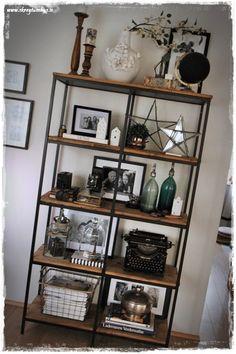Uppröðun og svo aftur… – Skreytumhús.is Home Design Decor, Küchen Design, Home Interior Design, Interior Styling, Diy Home Decor, Wood Shelving Units, Home Entrance Decor, Ikea Living Room, Deco Boheme