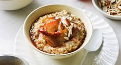 Goodness breakfast with maple pears. A bit of toasting the night before will give you a wholesome base for a quick and warming breakfast. Top with fruit, yoghurt, seeds or nuts to change things up. What's For Breakfast, Healthy Breakfast Recipes, Healthy Recipes, Breakfast Bites, Healthy Breakfasts, Healthy Eats, Healthy Foods, Toast In The Oven, Pear Fruit