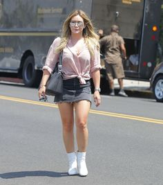 #HilaryDuff, #Hollywood, #Skirt Hilary Duff in a Denim Mini Skirt - Leaving a Salon in West Hollywood 08/31/2017 | Celebrity Uncensored! Read more: http://celxxx.com/2017/09/hilary-duff-in-a-denim-mini-skirt-leaving-a-salon-in-west-hollywood-08312017/