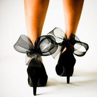 Black Abstract Bow Ankle Cuffs by J Dot Designs- Dear Shoes, find your way to my feet. Cl Fashion, Foto Fashion, Fashion Shoes, Fashion Black, French Fashion, London Fashion, Fashion Vintage, Style Fashion, Fashion Trends