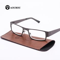 37ba1e69bb AOUBOU Marca Retro Gafas de Lectura Hombres Bisagras de Resorte de Acero  Inoxidable Anti-fatiga Gafas de Marco Gafas de Lectura