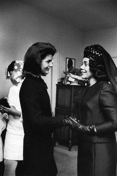 Photographic Print: Coretta Scott King, Jacquelyn Kennedy, 1968 by Maurice Sorrell : Ted Kennedy, Jackie Kennedy, Most Popular People, Coretta Scott King, Vintage Black Glamour, Black History Facts, African American History, American Art, King Jr