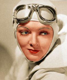 """Myrna Loy en """"Alas en la Noche"""" (Wings in the Dark), 1935"""