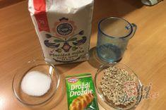 Extra jemný hrnkový chléb i pro začátečníky, který stačí jen zamíchat vařečkou. – RECETIMA Jena, Glass Of Milk, Drinks, Food, Drinking, Beverages, Essen, Drink, Meals