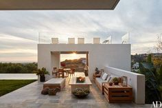 After years of designing other people's dream homes, architect Mark Rios finally got to build one for himself, complete with a dazzling view of the Pacific Ocean from a pool pavilion. Photo by Indoor Outdoor Living, Outdoor Rooms, Outdoor Decor, Outdoor Ideas, Outdoor Furniture, Architectural Digest, Architectural Styles, Interior Exterior, Exterior Design