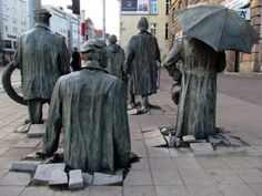 """""""El monumento de un transeúnte anónimo"""", representa la esclavitud de los ciudadanos durante el comunismo."""