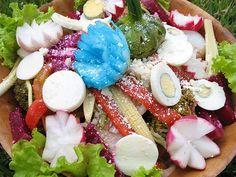 El fiambre es un plato tradicional de la gastronomía guatemalteca. Se acostumbra comer el Día de Todos los Santos (1 de noviembre). En cuanto a su preparación no existe una receta única, ya que en...