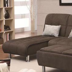 Casual Styled Living Room Chaise Sleeper