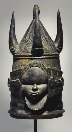 SHERBRO HELMET MASK, MOYAMBA DISTRICT, SIERRA LEONE Estimate 6,000 — 9,000 USD LOT SOLD. 40,625 USD