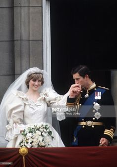 Prince Charles And Princess Diana On The Balcony Of Buckingham Palace On Their Wedding Day.  (Photo by Tim Graham/Getty Images)