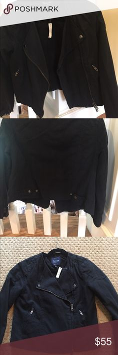 Madewell motorcycle style cotton/linen jacket Black Madewell cotton/linen motorcycle zip up jacket , size m. Never been worn , great iconic style and fit ! Two side zipper pockets and zippers  on sleeves . Madewell Jackets & Coats