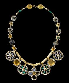 Byzantine Masterpiece Necklace, 6th-7th Century ADThis outstanding necklace is among the finest pieces of early Byzantine jewelry still…
