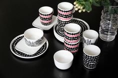 Scandi Home, China Sets, Marimekko, Home Kitchens, Scandinavian, Sweet Home, Dots, Sweets, Dishes