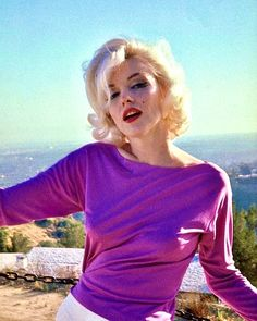 Hairstyles and Beauty: The Internet`s best hairstyles, fashion and makeup pics are here. Estilo Marilyn Monroe, Fotos Marilyn Monroe, Marilyn Monroe Wallpaper, Norma Jean Marilyn Monroe, Hollywood Glamour, Old Hollywood, Imperfection Is Beauty, Star Wars, Norma Jeane