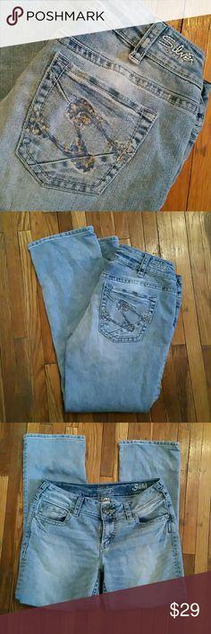 Silver Suki Jeans Suki capris. Silver Jeans Jeans Ankle & Cropped