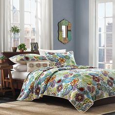 Just bought the girls this bedding for Christmas for their new room. They couldn't decide on one color and knew they wanted flowers. I bought Sky Blue Egyptian cotton blanket for under quilts and eggplant sheets for their bunk beds. Hope it is as nice as picture when it arrives!
