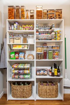 Try these quick home organization tips for maintaining a clutter-free home from basement to attic. Pantry Storage Containers, Container Organization, Organization Hacks, Garage Storage, Oxo Pop Containers, Kitchen Containers, Diy Garage, Food Pantry Organizing, Organized Pantry