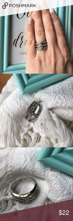 Chloe and Isabel Modern Mosaic Ring Size 8 I'm selling my sample items from my boutique as I'm no longer a merchandiser with the company.  Gently used condition, worn handful of times. .  Buy with confidence I'm a top 10% Poshmark seller!  Bags nor birds included in sale. Just Ring. Size 8. No tarnish or missing stones Chloe + Isabel Jewelry Rings
