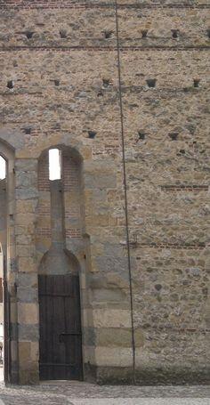 The wine bottle entrance to Marostica's Castle.