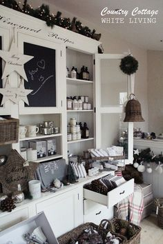 White Living: Country Cottage ❤️