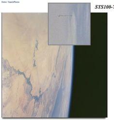 "NASA hat ""Space-Shuttle-UFO-Foto"" NICHT gelöscht . . . http://www.grenzwissenschaft-aktuell.de/nasa-hat-shuttle-ufo-foto-nicht-geloescht20160315 . . .  Abb.: NASA"