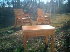 How To Build 2 Outdoor Arm Chairs And A Side Table - Jays Custom Creations Outdoor Furniture Plans, Outside Furniture, Wood Pallet Furniture, Rustic Furniture, Cheap Furniture, Office Furniture, Furniture Ideas, Garden Chairs, Patio Chairs
