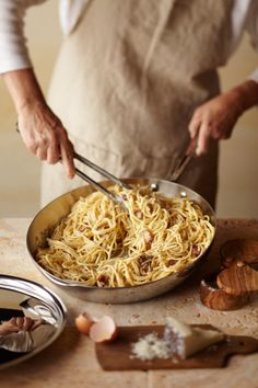 Love me some pasta. Pasta all a Carbonara. Food For Thought, Think Food, I Love Food, Pasta A La Carbonara, Carbonara Sauce, Pasta Spaghetti, Pork Cheeks, Gastronomia, Gourmet
