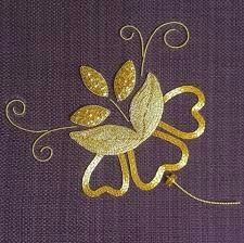 Goldwork Flower Embroidery Class ~ by Lizzy Pye (Landsberry) at the RSN Jacobean Embroidery, Pearl Embroidery, Couture Embroidery, Embroidery Motifs, Embroidery Thread, Floral Embroidery, Embroidery Designs, Victorian Wallpaper, Lotus Design
