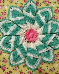 BC003 - Grandmama's Favorite Decorative Potholders and Hot Pads Download - Pinwheel