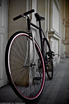 "kickschicksandtattoos: ""I need this bike. """