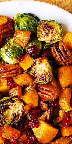 Thanksgiving Side Dish: Butternut Squash, Brussels Sprouts, Cranberries, Pecans – World Fashion Week - Thanksgiving Food Veggie Side Dishes, Vegetable Dishes, Vegetable Recipes, Food Dishes, Holiday Side Dishes, Sprout Recipes, Roasted Butternut Squash, Thanksgiving Side Dishes, Roasted Vegetables