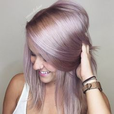Ridiculously Awesome Blonde Hairstyles Lila Haarfarbe Sieht aus How To Deal With Hair Growth? Gold Hair, Purple Hair, Rose Gold Toner Hair, Green Hair, Silver Hair, Pastel Lilac Hair, Pastel Hair Colors, Rose Toner, Lavender Hair
