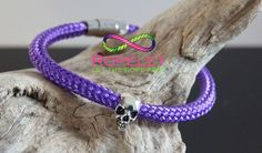 Now wouldn't this Ropelet look great on your wrist. Its from the Skull collection of handmade rope bracelets at www.ropelet.co.uk where these beautiful creation anre made to your order. Whats not to like
