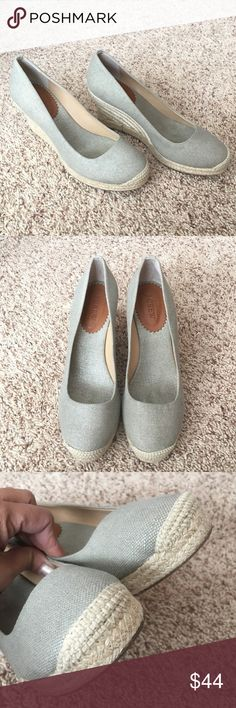 Authentic J Crew Shoes Authentic! Don't miss these beautiful J Crew shoes💕 Size 9. In very good condition. NO TRADE ❌ J.Crew Factory Shoes