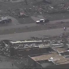 Unbelievable Pictures Of The 2-Mile Wide Tornado That Hit Moore, Oklahoma (PHOTOS) | Global Grind