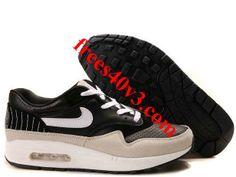 Running Shoes at Price! Cheap Running Shoes, Cheap Shoes, Air Max 1, Nike Air Max, Air Max Sneakers, Sneakers Nike, Shoes 2014, Wholesale Shoes, Mens Nike Air