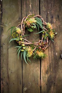 Cottage Gardens An inspiring native garden rings bells for Linda Ross and to the sound of birdsong she changes her tune about the best plants to create pretty gardens. Aussie Christmas, Australian Christmas, Summer Christmas, Christmas Love, All Things Christmas, Cottage Christmas, Australian Native Garden, Australian Native Flowers, Holiday Wreaths