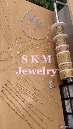Wire Jewelry Designs, Handmade Wire Jewelry, Diy Crafts Jewelry, Bracelet Crafts, Diy Schmuck, Bead Jewellery, Jewelry Packaging, Diy Earrings, Accessories