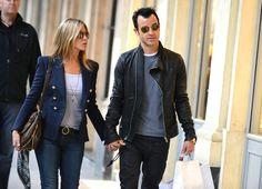 Jennifer Aniston - Jennifer Aniston and Justin Theroux Stroll Around Paris