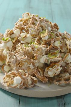 Food Photography: Key Lime Crack Is Even More Addictive Than The Pie Puppy Chow Recipes, Chex Mix Recipes, Lime Recipes, Key Lime Desserts, Lemon Desserts, Sweet Desserts, Appetizer Recipes, Snack Recipes, Cooking Recipes