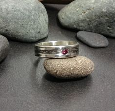 Sparkling red inset garnet ring, thick sterling silver band, texture raised vein or branch pattern size 10 & flush set stone, unisex Pulling Weeds, Pink Tone, Garnet Rings, Masters, Sterling Silver Rings, Rings For Men, Bucket, Size 10, Sparkle