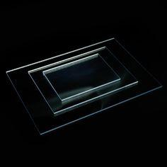 POLIESTIRENO TRANSPARENTE - Selección de este material flexible cuando tiene 1 mm de grosor y más rígido conforme aumenta éste. Vienen con un film protector y lo encontrarás en blanco roto o transparente.