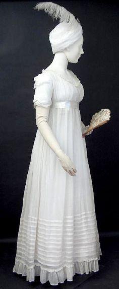Scottish dress via Bath Fashion Museum Vintage Outfits, Robes Vintage, Vintage Dresses, 1800s Fashion, 18th Century Fashion, Vintage Fashion, 19th Century, Historical Costume, Historical Clothing