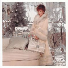 Jackie Collins, Joan Collins, Real Style, New Outfits, Fur Coat, Shopping, Clothes, Xmas, Christmas