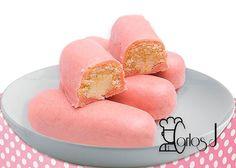 Testado para TM31 y TM5. Dificultad: Baja INGREDIENTES: (Para 15 unidades aproximadamente) Para el bizcocho: 3 huevos 30 gr. de azúcar avainillado 60 gr. de azúcar 90 gr. de harina de repostería Para el relleno: 200 gr. de nata para montar (bien fría) 30 gr. de azúcar avainillada Para la cobertura: 450 gr. de chocol