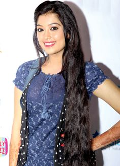 Digangana Suryavanshi at a bash. Beautiful Girl Image, Beautiful Long Hair, Beautiful Bride, Beautiful Women, Beauty Full Girl, Beauty Women, India Beauty, Asian Beauty, Bollywood Designer Sarees